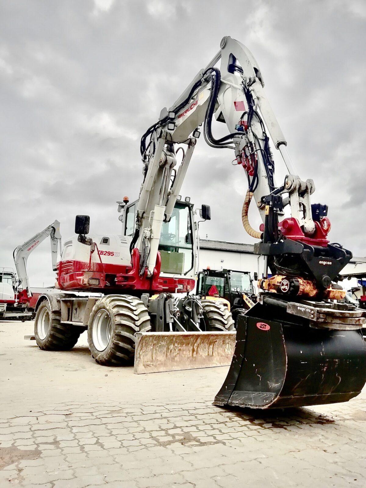 MVN-entreprise-excavator-takeuchi-